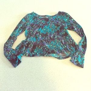 Girls long sleeved cropped blouse size 7/8